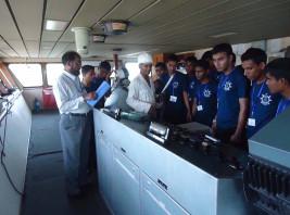Ship Visit of OMA Students (Rating)
